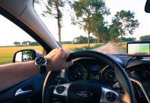 Nawigacje samochodowe kupuje 300 tys. kierowców rocznie. Rośnie popularność wideorejestratorów