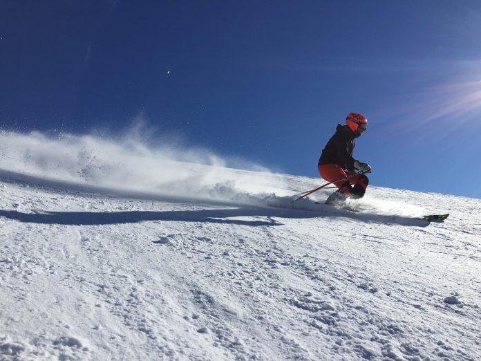 Po upadku na nartach nie można bagatelizować nawet najmniejszego bólu czy obrzęku